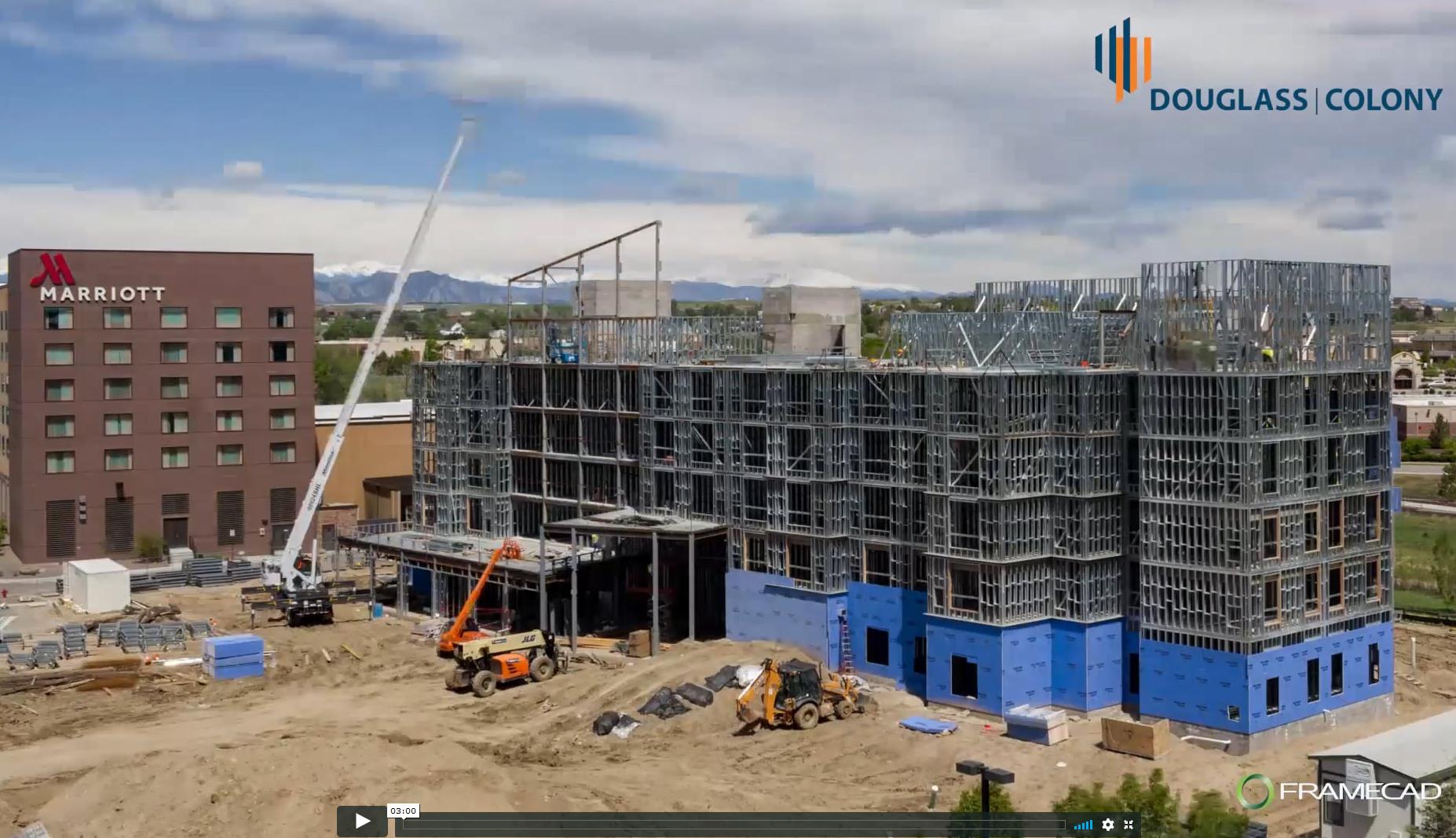 Mira cómo se erige el Hyatt Place Westminster en Colorado en solo 17 días, con Douglass Colony.